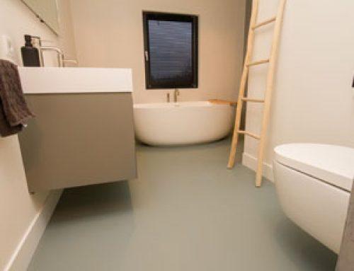 Gietvloer in badkamer